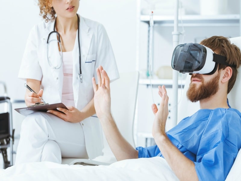 patient-using-virtual-reality-glasses-for-treatment